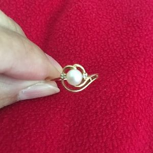 Jewelry - Pearl and Diamond 10K Gold Ring